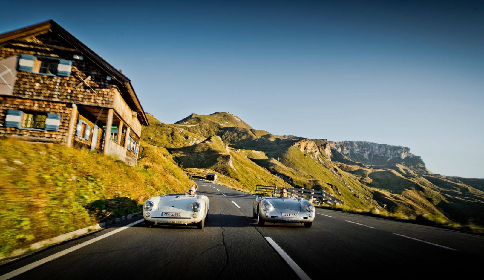 For the first time, Wolfgang Porsche (left) and his son Ferdinand are driving two 550 Spyders together on the Großglockner High Alpine Road.