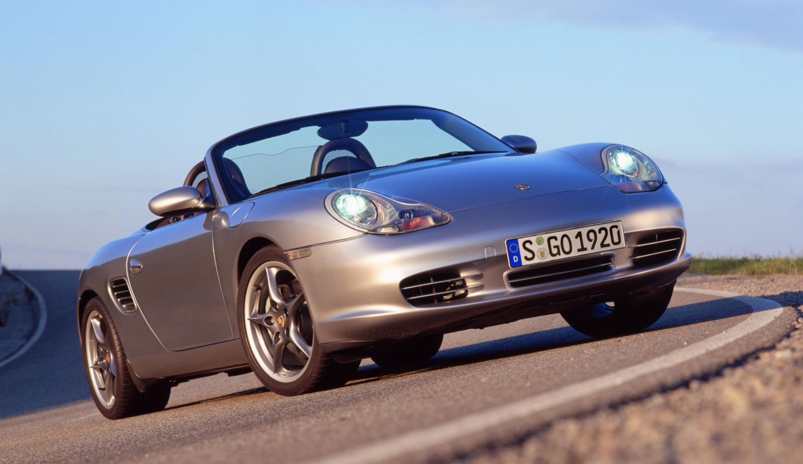 "986 generation: 50 years of the 550 Spyder special edition (2004). In 2004 – the last model year of the first generation – the special edition ""50 Years of the 550 Spyder"" is launched, limited to 1,953 units."