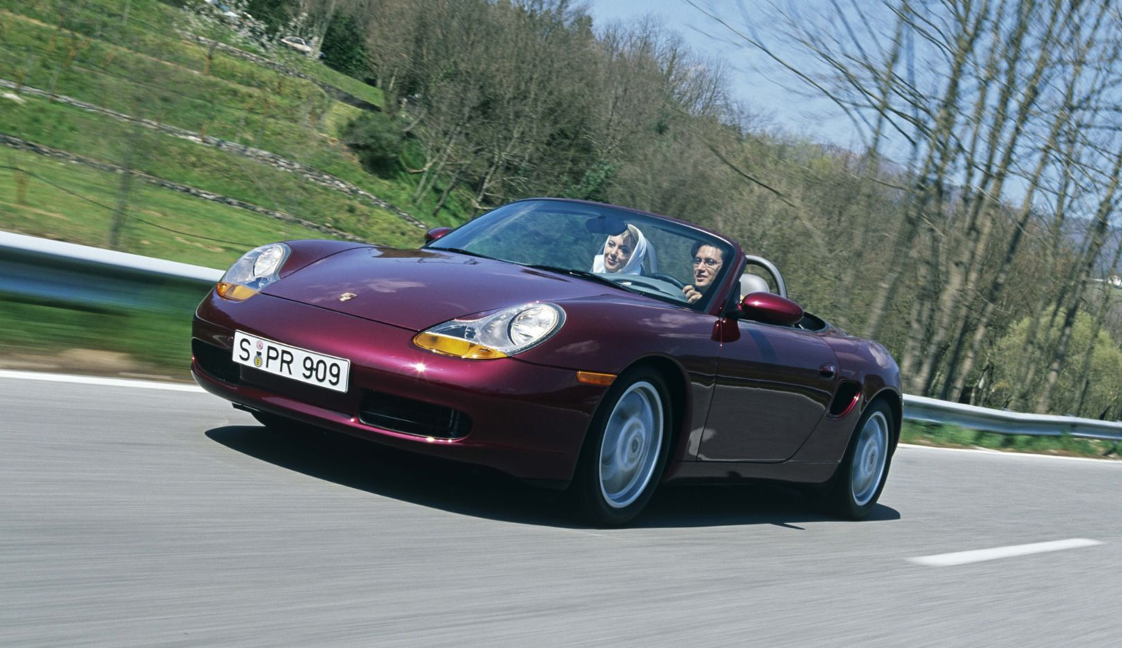 986 generation: model years 1997–2005. The resemblance to the study presented three and a half years earlier is unmistakable when the Boxster 986 goes into series production in August 1996. Technically, the Boxster is particularly impressive because of its new high-tech boxer engine.