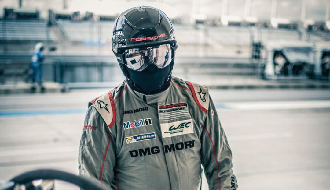 Reflection: André Lotterer perfectly captures the mirroring of his LMP teammate's sunglasses.